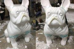 Скульптура бульдога из пенопласта
