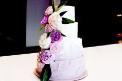 Муляж торта с живыми цветами