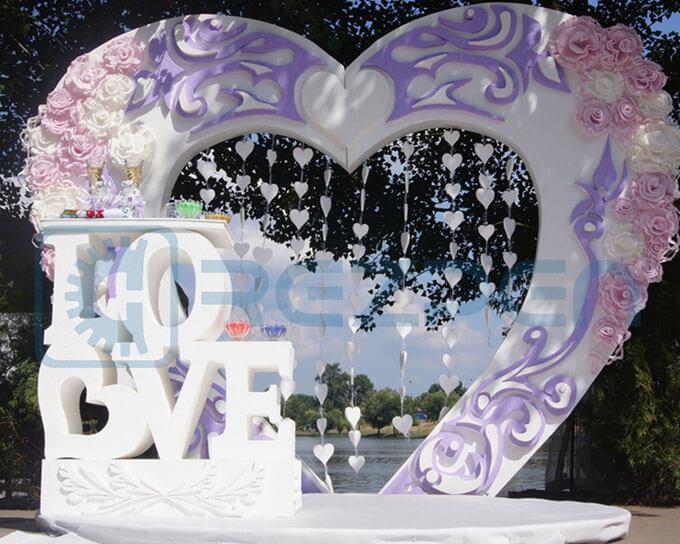 свадебная арка сердце и слово LOVE
